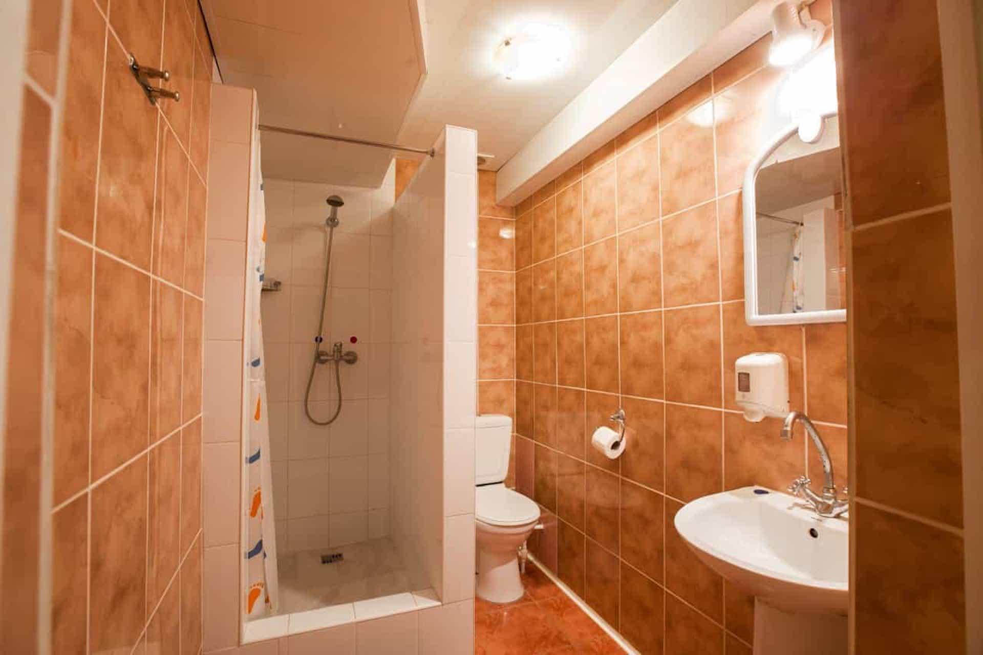 tualet-v-nomere